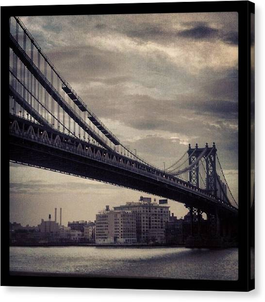 Manhattan Bridge In Ny Canvas Print