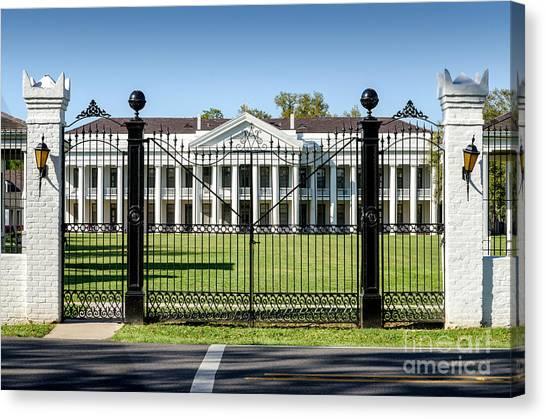 Manresa House Of Retreats In Convent Louisiana Canvas Print