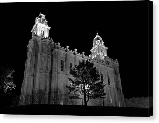 Manti Temple Black And White Canvas Print