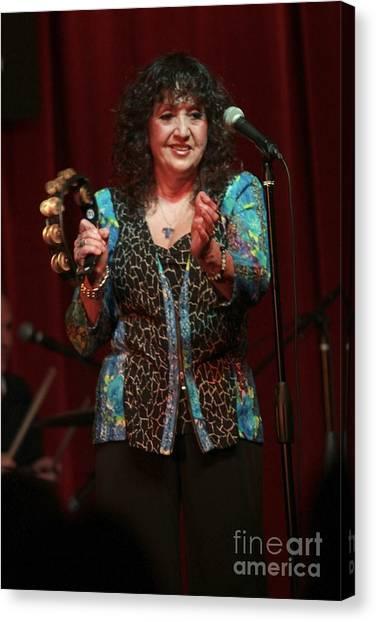 Folk Singer Canvas Print - Maria Muldaur by Concert Photos
