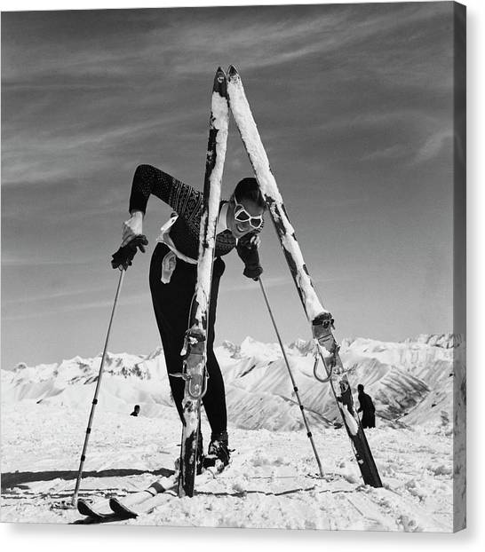 Marian Mckean With Skis Canvas Print by Toni Frissell
