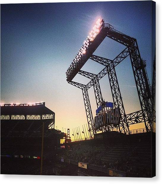 Seattle Mariners Canvas Print - #mariners Vs #tigers #seattle #fun by Paul Dewald