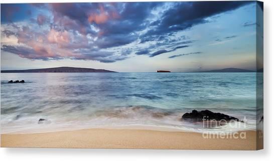 Maui Sunrise With Kahoolawe Molokini And Lanai Canvas Print