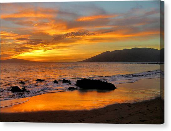 Tropical Sunset Canvas Print - Maui Sunset by Stephen  Vecchiotti