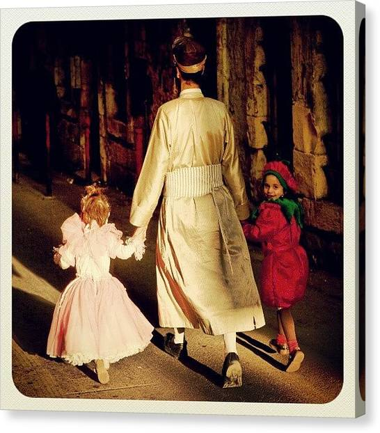 Israeli Canvas Print - Mea Shearim, Jerusalem by Erez Ben Simon