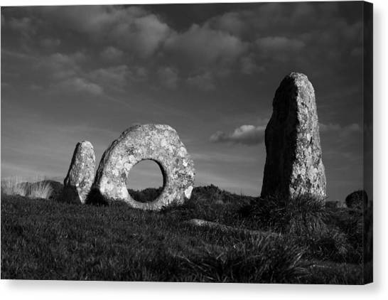 Men An Tol Ancient Monument Canvas Print