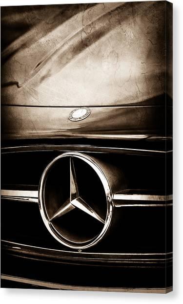 Mercedes-benz Grille Emblem Canvas Print