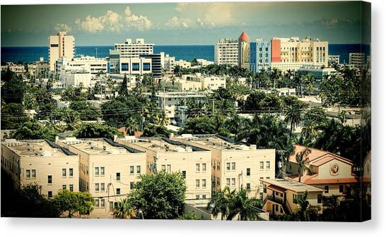 Miami Beach-0156 Canvas Print