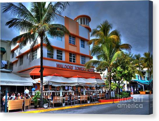 Miami Beach Art Deco 2 Canvas Print