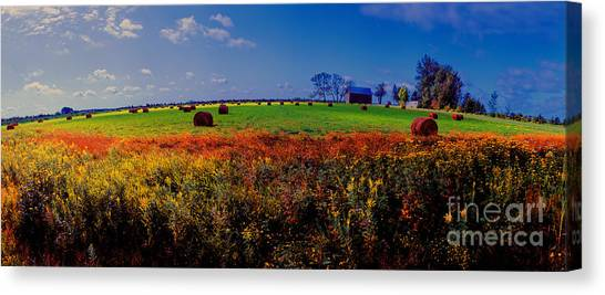 Michigan Uper  Farm Barn And Rolls Of Hay Brimly Michigan Canvas Print