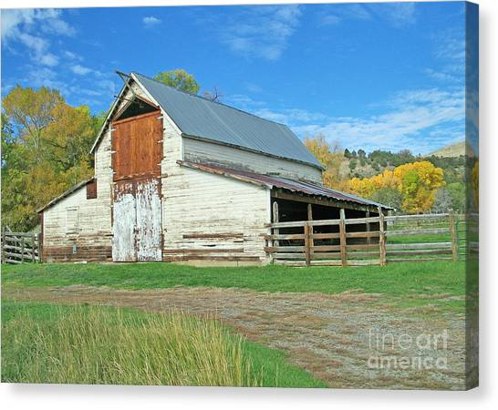 Midway Vintage Barn Hotchkiss Co Canvas Print