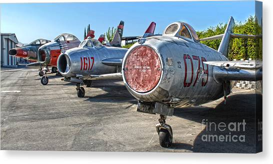 Mikoyan-gurevich Fagot Mig-15uti Canvas Print by Gregory Dyer