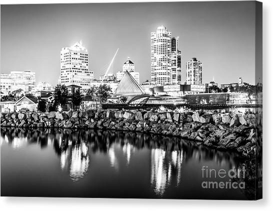 Northwestern University Canvas Print - Milwaukee Skyline At Night Photo In Black And White by Paul Velgos