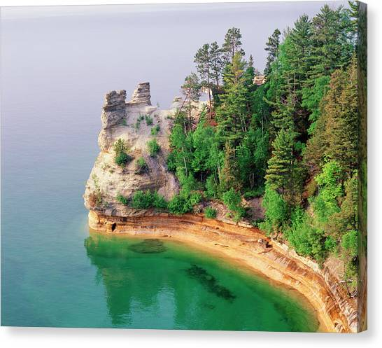 Miners Castle In Pictured Rocks Canvas Print