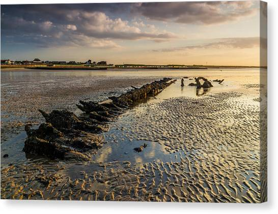 Minnis Canvas Print - Minnis Bay by Ian Hufton