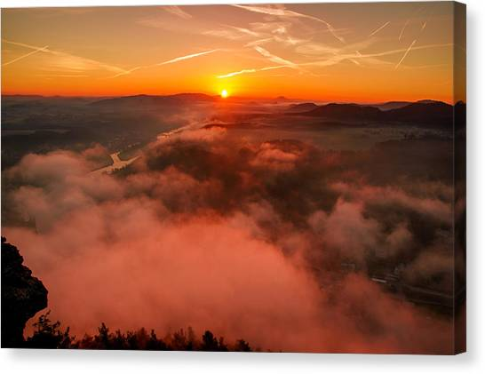 Misty Sunrise On The Lilienstein Canvas Print