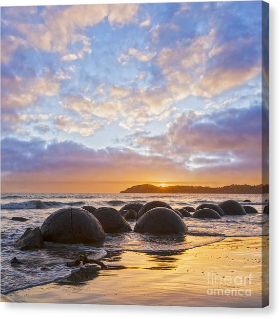 Moeraki Boulders Otago New Zealand Sunrise Canvas Print