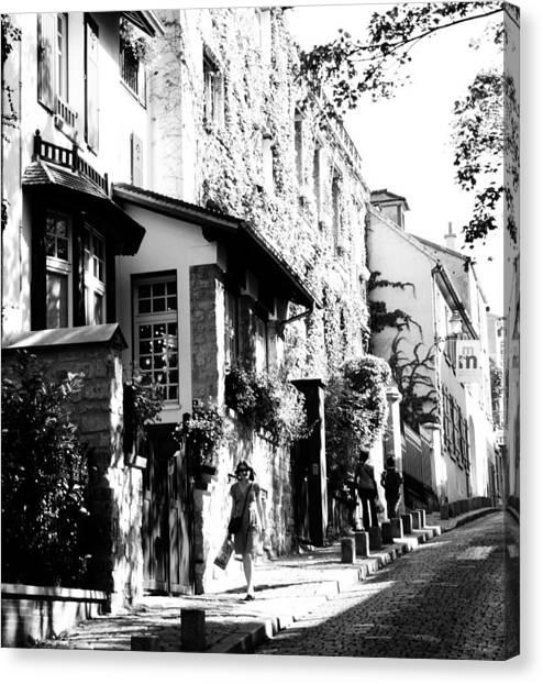 Montmartre Walk Vert Bw Canvas Print by Jacqueline M Lewis