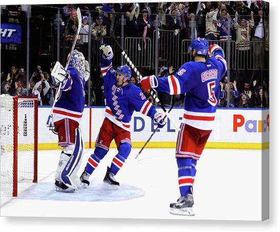 Montreal Canadiens V New York Rangers - Canvas Print
