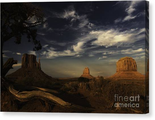 Monument Valley 1 Canvas Print by Richard Mason