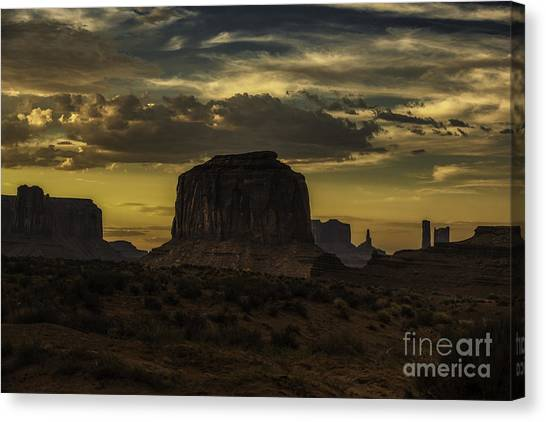 Monument Valley 4 Canvas Print by Richard Mason