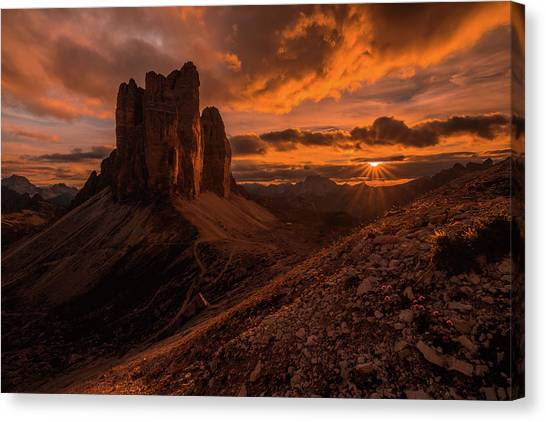 Boulder Canvas Print - Monumental Strike by Andreas Agazzi