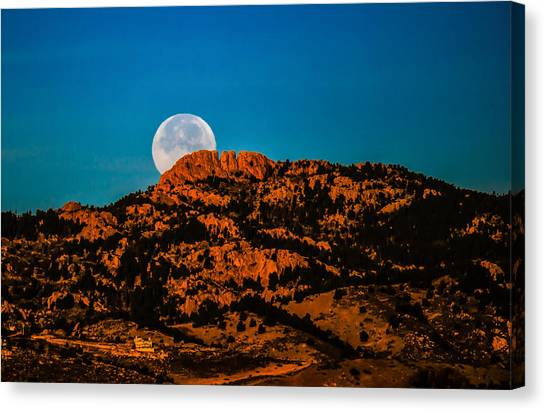 Moon Setting Behind Horsetooth Rock At Sunrise Canvas Print