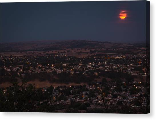 Moonrise Over Paso Canvas Print