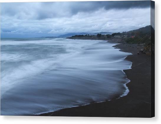 Moonstone Beach Surf 2 Canvas Print