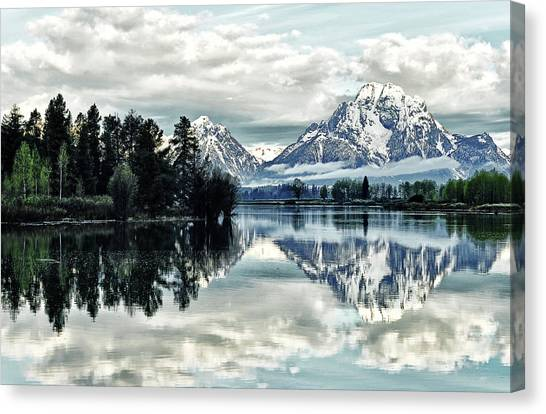 Morning At The Bend Canvas Print by Jeff R Clow