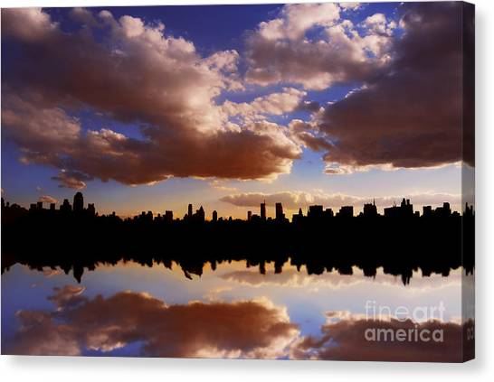Morning At The Reservoir New York City Usa Canvas Print