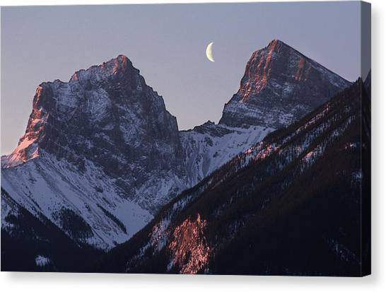 Morning Light Canmore Canvas Print by Richard Berry