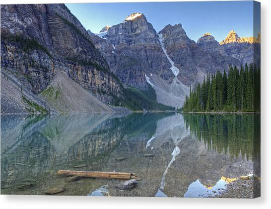 Morning Light On Moraine Lake Canvas Print