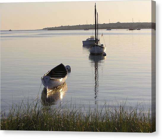Morning Reflections Canvas Print by Richard Mansfield