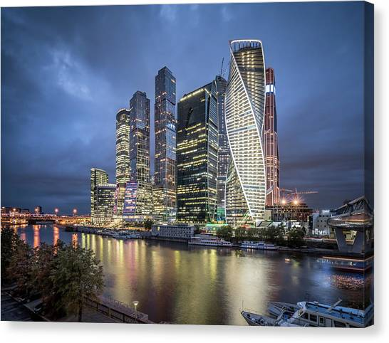 Moscow Skyline At Night Canvas Print by Yongyuan Dai