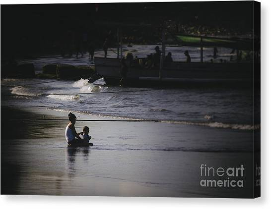 Mother And Child Canvas Print by Soren Egeberg