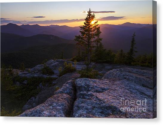 Canvas Print featuring the photograph Mount Chocorua Scenic Area - Albany New Hampshire Usa by Erin Paul Donovan