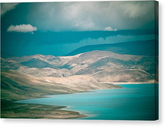 Mountain Lake In Tibet Peiku-tso Canvas Print
