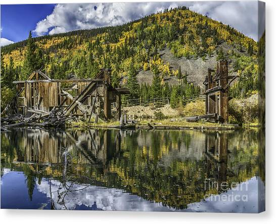 Mountains Of Gold Canvas Print