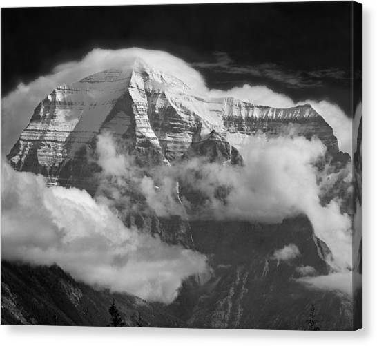 102496-mt. Robson Wreathed In Clouds Canvas Print