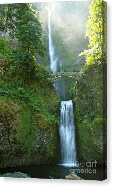 Canvas Print - Multnomah Falls by Christiane Schulze Art And Photography