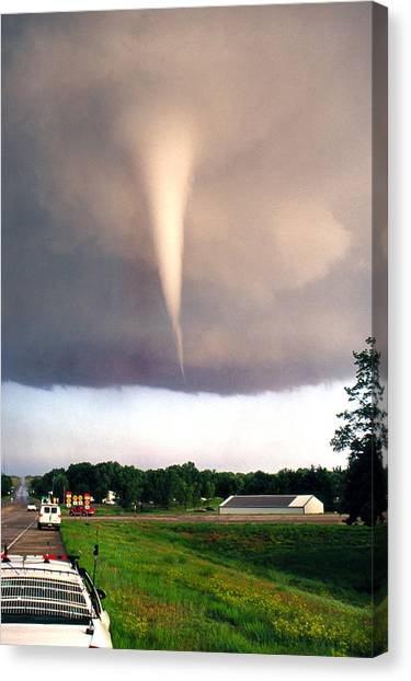 Mulvane Tornado With Storm Chasers Canvas Print