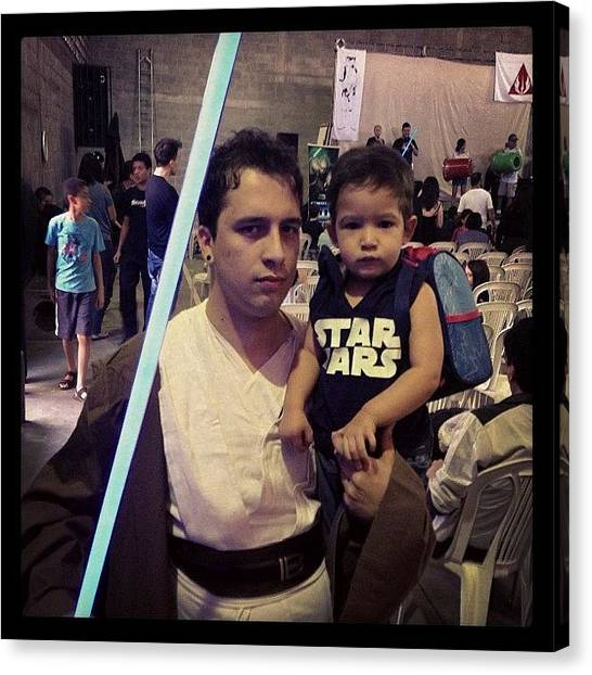 Padawan Canvas Print - Na #jedicon Com Meu #padawan #starwars by Guilherme Lopes