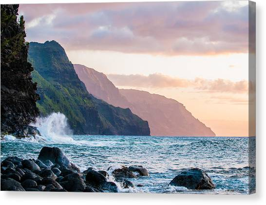 Na Pali Spray Canvas Print