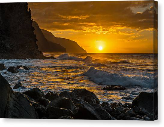 Ocean Sunrises Canvas Print - Na Pali Sunset by Guy Schmickle