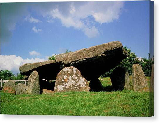 Neolithic Tomb: Arthur's Stone Canvas Print by Tony Craddock/science Photo Library