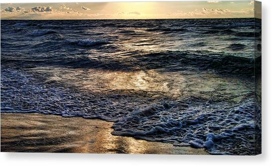 Never Ending Wave At Night Canvas Print