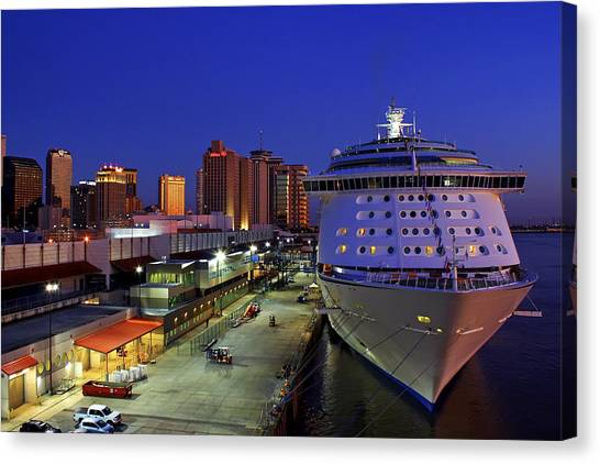 New Orleans Skyline With The Voyager Of The Seas Canvas Print