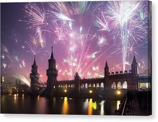 New Years Eve At Oberbaum Bridge Canvas Print by Spreephoto.de