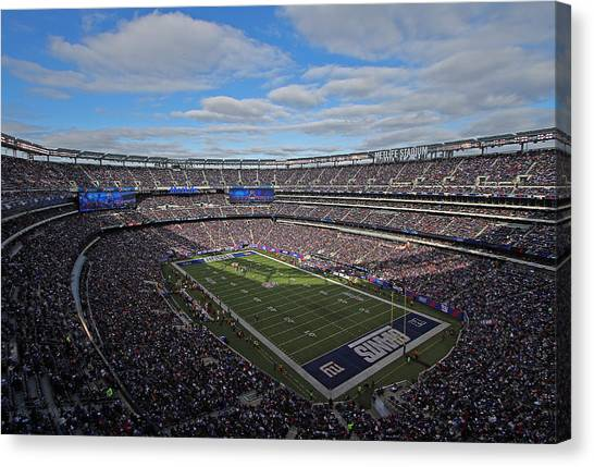Metropolitan Division Canvas Print - New York Giants by Juergen Roth